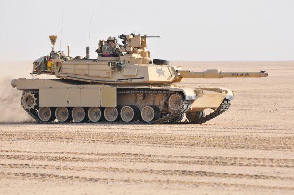 Танк «Абрамс» самый массовый ОБТ НАТО, хотя и состоит на вооружении далеко не всех государств альянса. Всего с начала производства выпустили более 10000 машин разных вариаций