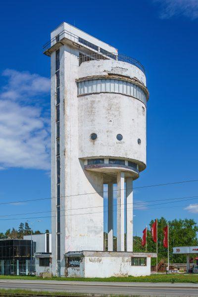 Белая башня стала подлинным памятником раннего Советского союза с его прорывными идеями и развитием архитектурного и инженерного искусства