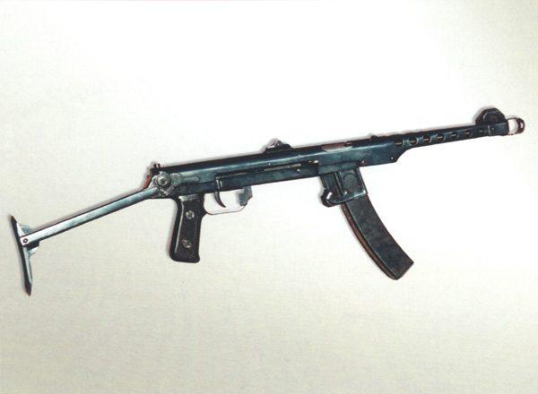 ППС-43 получился легким и ухватистым. По праву считается лучшим пистолетом-пулеметом той далекой войны